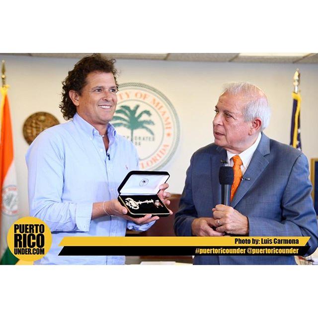 Hoy le entregaron la llave de la ciudad de Miami a @carlosvives el Honorable Alcalde Tomas Regalado muchas gracias de parte del #teamvives #nosotroscontrolamoslaciudad @logisticaswilly @claudiaarcay @claudiaelenaoficial @cristiarcay @viejodeivi @nevarezpr @letusdotheworkforyou @puertoricounder @luiscarmona @walterkolm